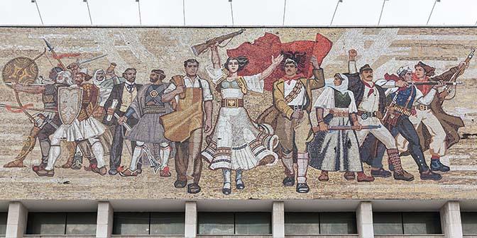socialistisch mozaiek tirana