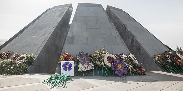 genocide memorial yerevan armenie