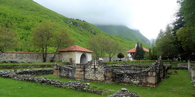 klooster peja kosovo