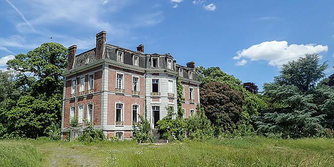 verlaten chateau cinderella
