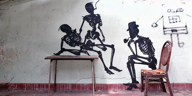 verlaten plek belgie skeleton facotry