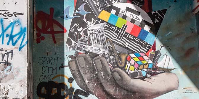 no signal street art athene