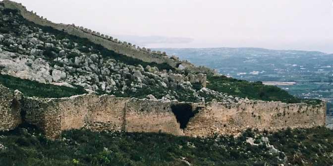 stadsmuren akrokorinthos