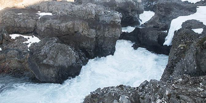 Barnafoss waterval ijsland