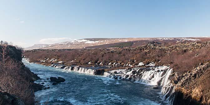 Hraunfossar waterval ijsland