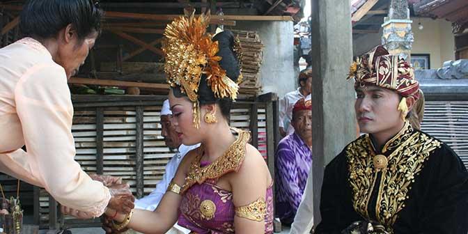 ceremonie bruidspaar bali