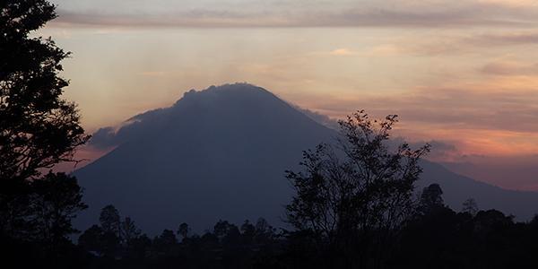 vulkaan rondom berastagi