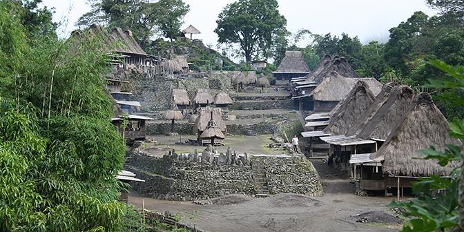 anmistische dorpen bajawah