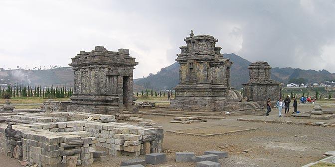 tempel idden java dieng