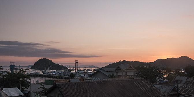 zonsondergang labuan bajo