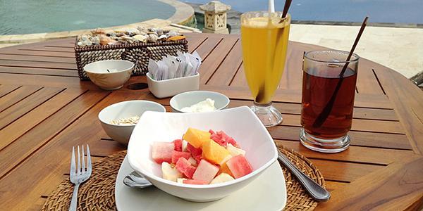 ontbijt hamsa resort lovina bali