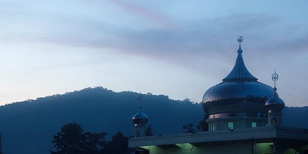 moskee op sumatra bij berastagi