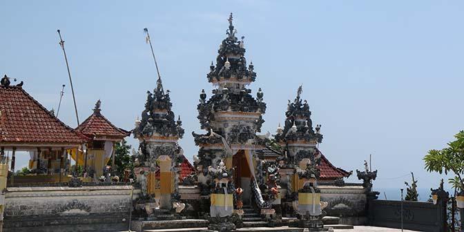 car tempel penida