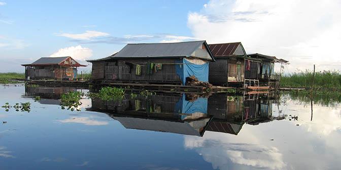 drijvende huizen sulawesi