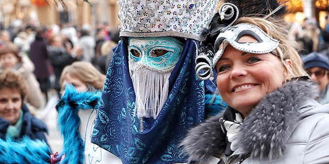 toeristen carnval venetië