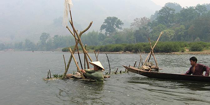 varen over nam ou rivier