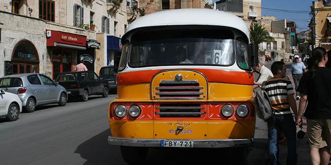 bussen in malta