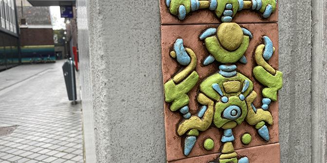 uilegats straatkunst