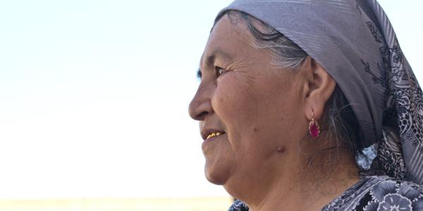 vrouw met de gouden tand, Oezbekistan