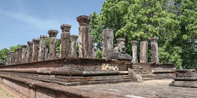 fietsen tempels polonnaruwa
