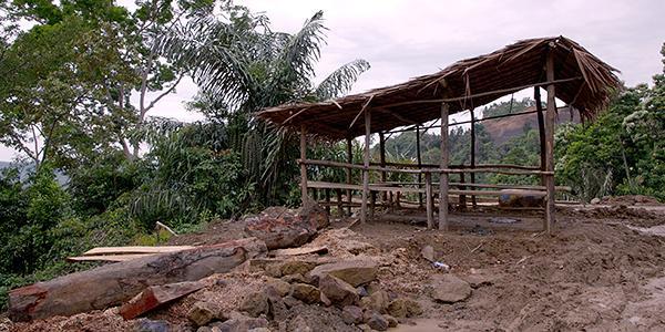 beschadeging weg aceh sumatra
