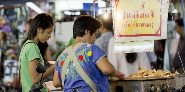 street food op Khao Sarn Road Bangkok