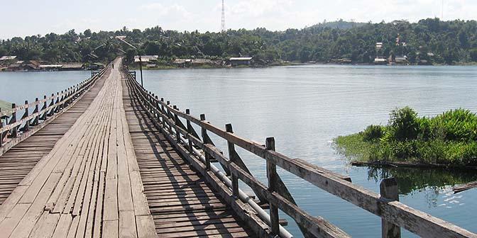 mon brug thailand