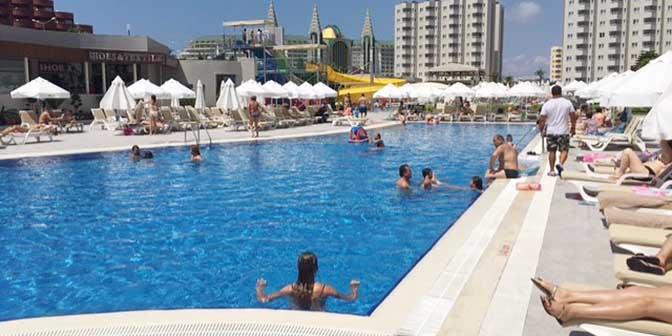 zwembad antalya
