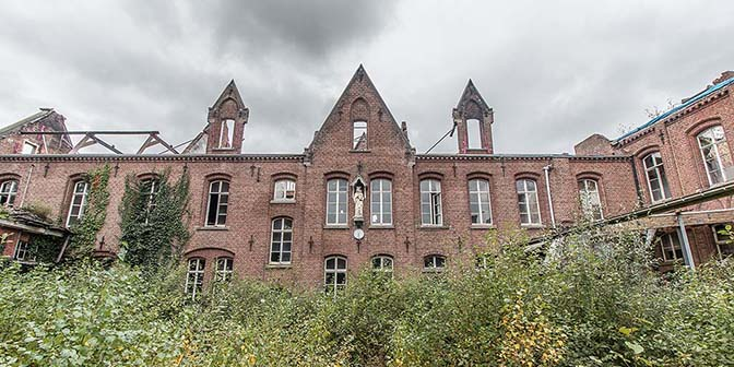 urbex green school belgie