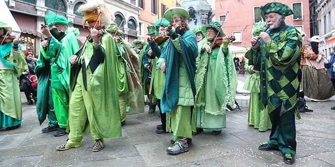 goedkope venetiaanse maskers