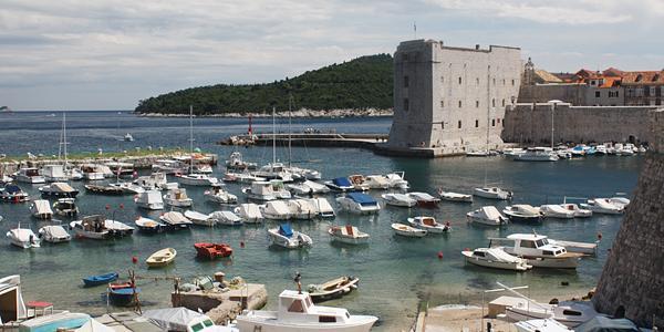 de oude haven van Dubrovnik, Kroatië