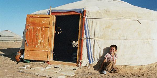 nomaden mongolie ger><br>Mongools jongetje bij zijn ger</p><p class=